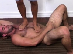 Guys kissing feet... Fetish (Gay),Gays (Gay),Handjob (Gay),Masturbation (Gay),Muscle (Gay),Twinks (Gay)