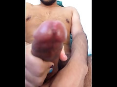 latin guy of 18 masturbates ends in his body