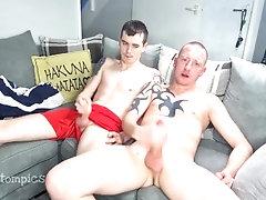 Scallies wanking... bigcock;scally;wank;british;uncut;tattoo;ginger,Twink;Big Dick;Gay;Amateur;Uncut;Tattooed Men