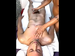 Masaje Erotico... masaje;masajes-eroticos;masaje-final-feliz;masaje-real;blowjob;sexo-oral;mamada;big-dick,Massage;Twink;Latino;Fetish;Big Dick;Gay;Uncut
